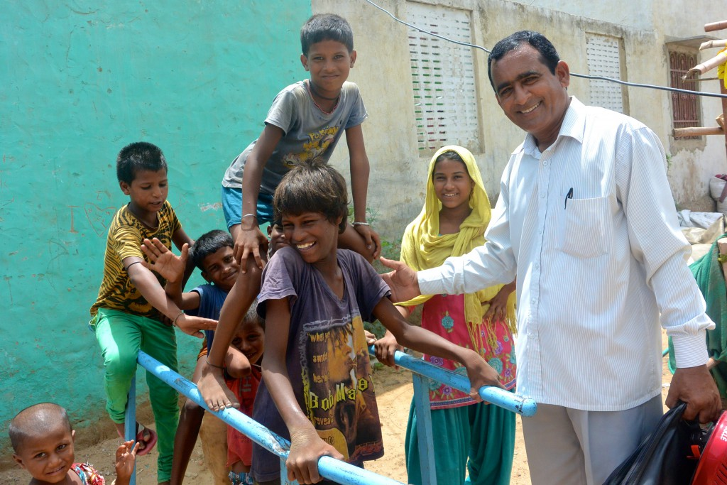 We Volunteer in India- AVI is with Preeti. Are you.